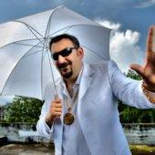 Under my umbrella ella e e