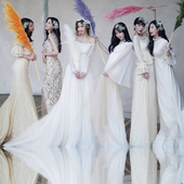 Jungah's wedding photo.