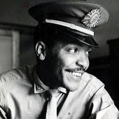 Martinho da Vila - Foi Sargento-datilógrafo do Ministério da Guerra. 1960.  - Foto acervo Web -  Autor não mencionado.png