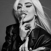 Ava Max for House Of Solo