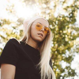 Image for 'Lauren Sanderson'