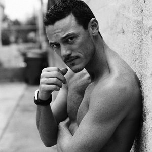 Image for 'Luke Evans'