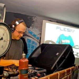 Image for 'Plesiv'