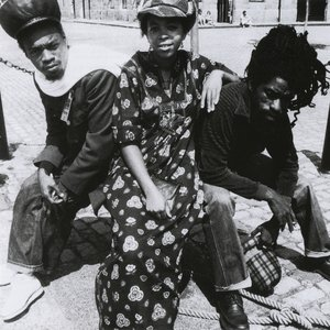 Zdjęcia dla 'Black Uhuru'
