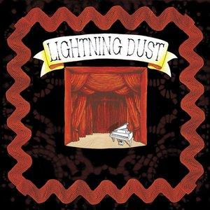 Bild för 'Lightning Dust'