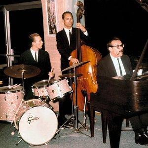 Image for 'Vince Guaraldi Trio'