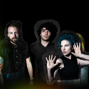 Image for 'Paramore (Deluxe Edition)'