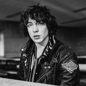 Imagem de 'Barns Courtney'