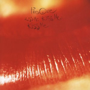 Immagine per 'Kiss Me Kiss Me Kiss Me'