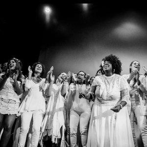 Imagen de 'Resistance Revival Chorus'