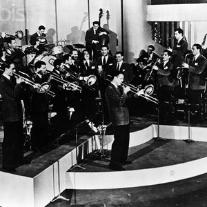 Image for 'Glenn Miller & His Orchestra'