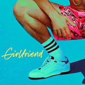 Imagen de 'Girlfriend'