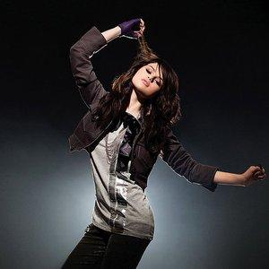 Изображение для 'Selena Gomez & the Scene'