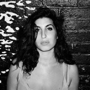 Immagine per 'Amy Winehouse'