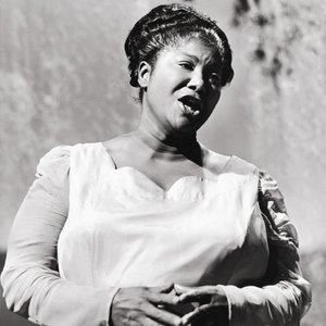 'Mahalia Jackson'の画像