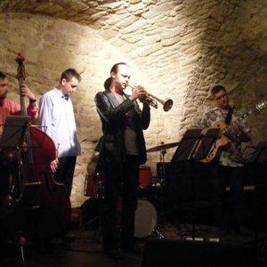 Zdjęcia dla '2 Horny Quintet'