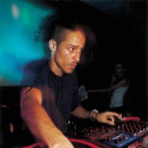 Bild für 'DJ SUV'