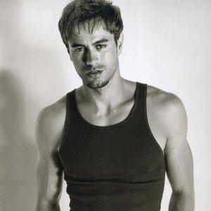 Zdjęcia dla 'Enrique Iglesias'