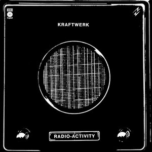 """Radio-Activity""的封面"