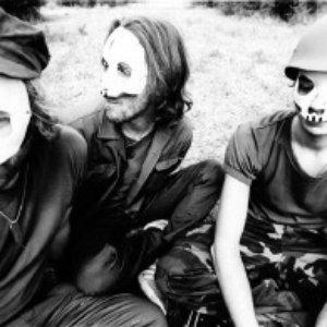Immagine per 'Tre allegri ragazzi morti'