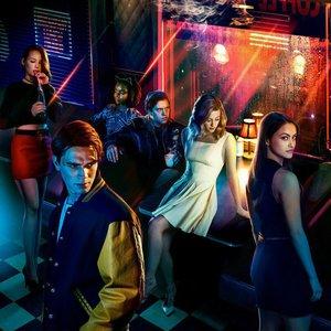 Zdjęcia dla 'Riverdale Cast'
