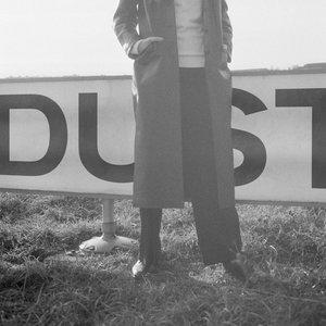 Imagen de 'Dust'
